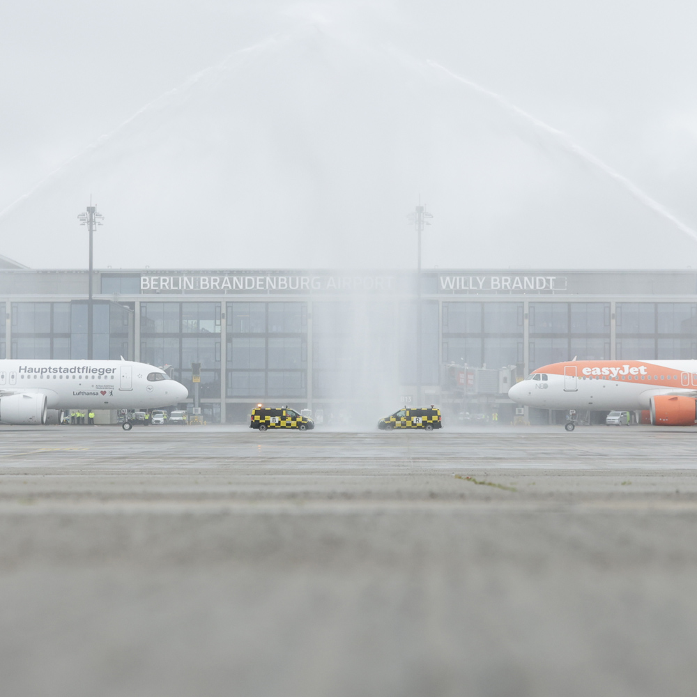 easJet and Lufthansa at the welcome ceremony by the airport fire brigade