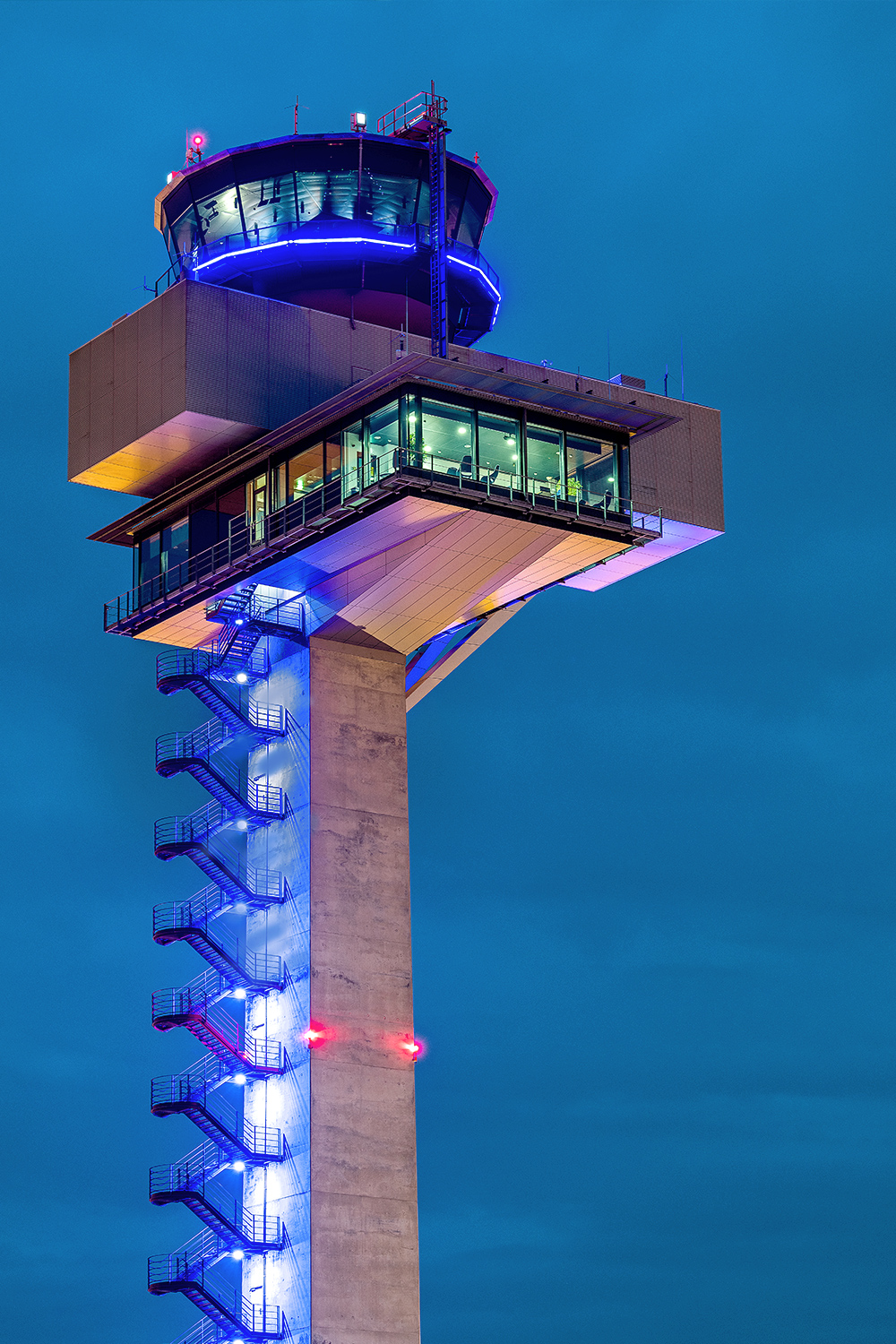 The BER-Tower at night